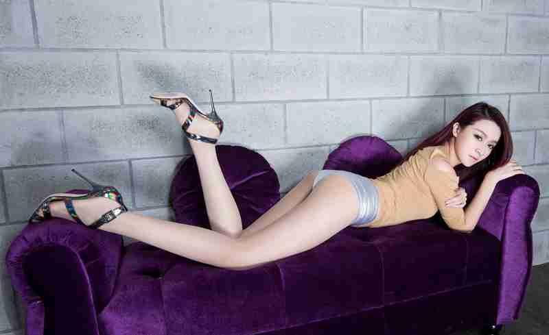 美女Dana修长美腿丝袜高跟性感人体艺术照片