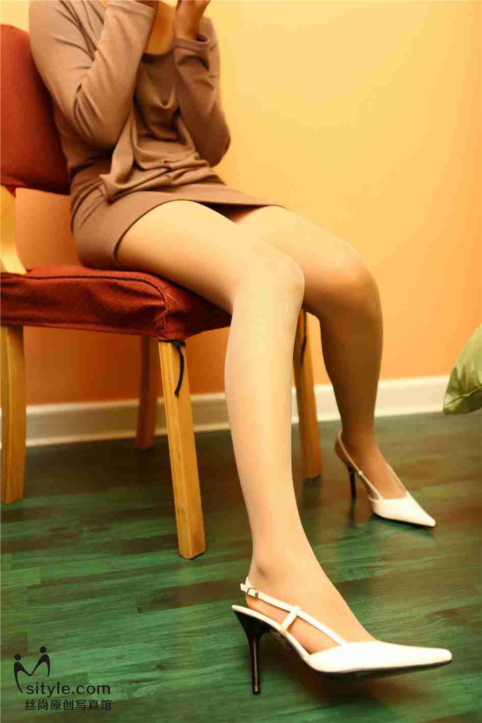 丝袜麻豆高跟鞋福利写真套图
