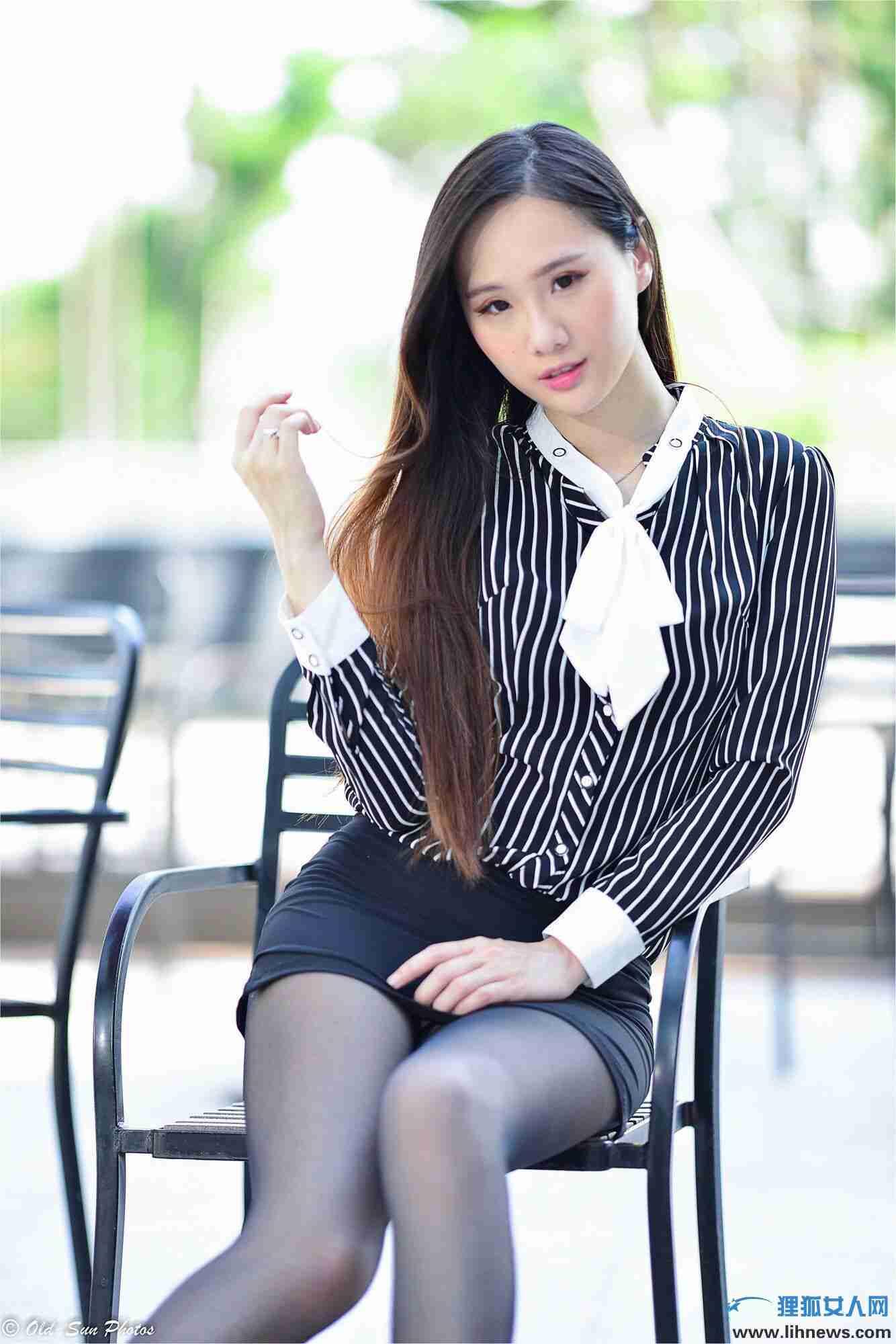 张小米 - 黑丝OL女郎外拍 写真图片