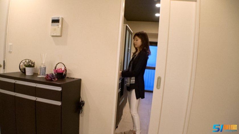 韩国经典三级,身材苗条 F罩杯的人妻番号大全300MIUM