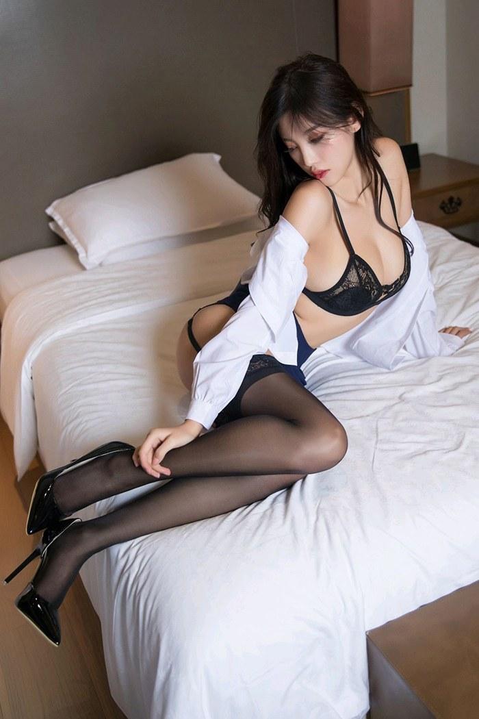 职场丽人杨晨晨完美身段让人心动不已