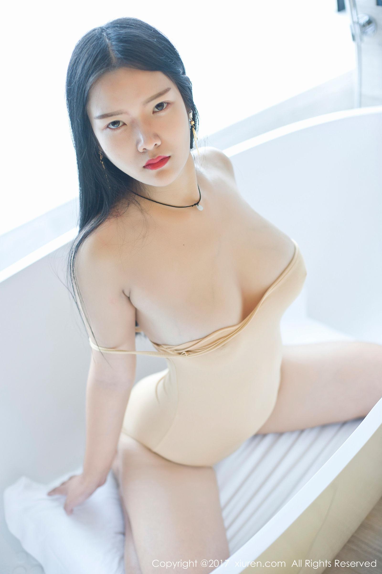 凌希儿 - 欧版美女性感图