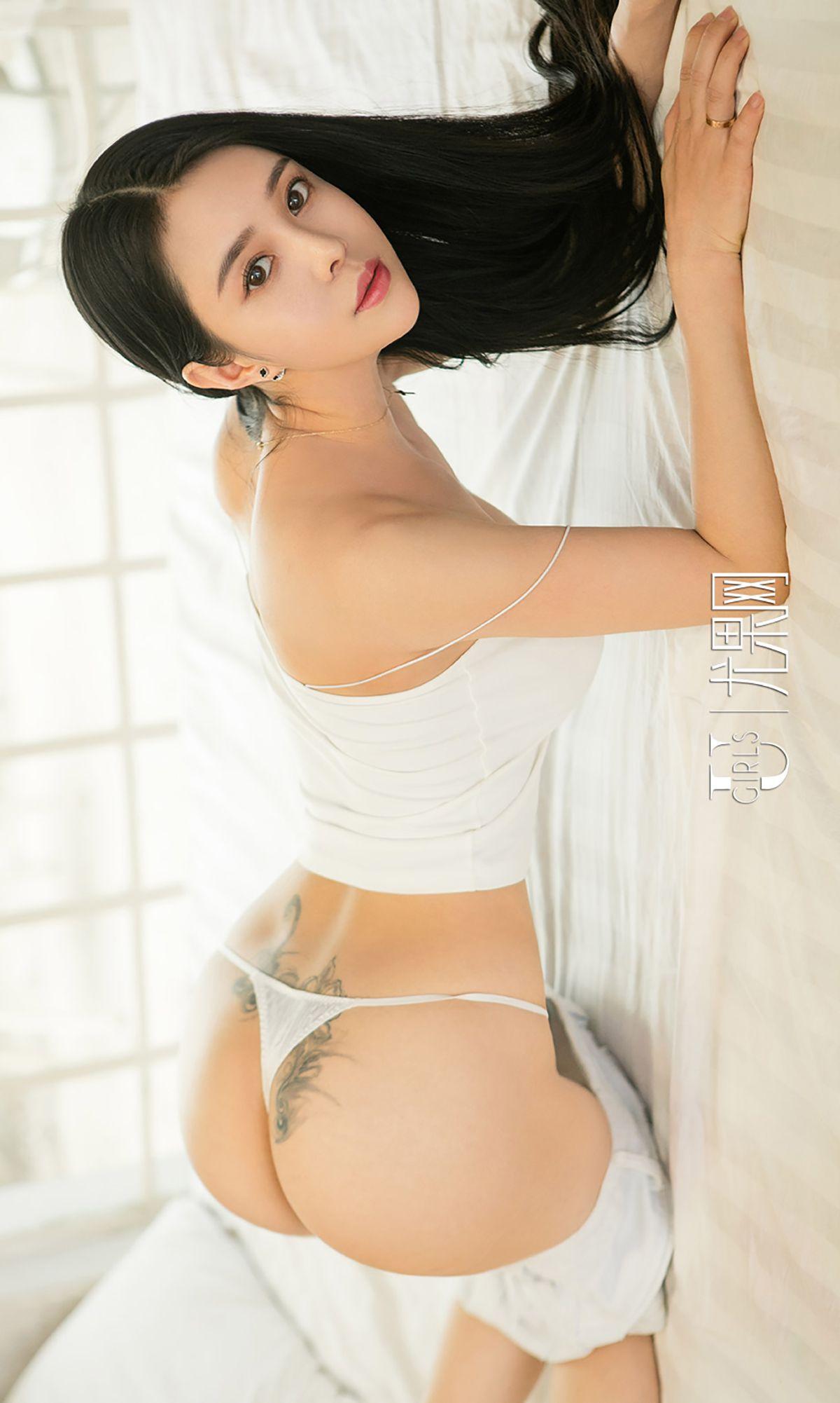 杜小雨 - 性感背带裤 写真图片