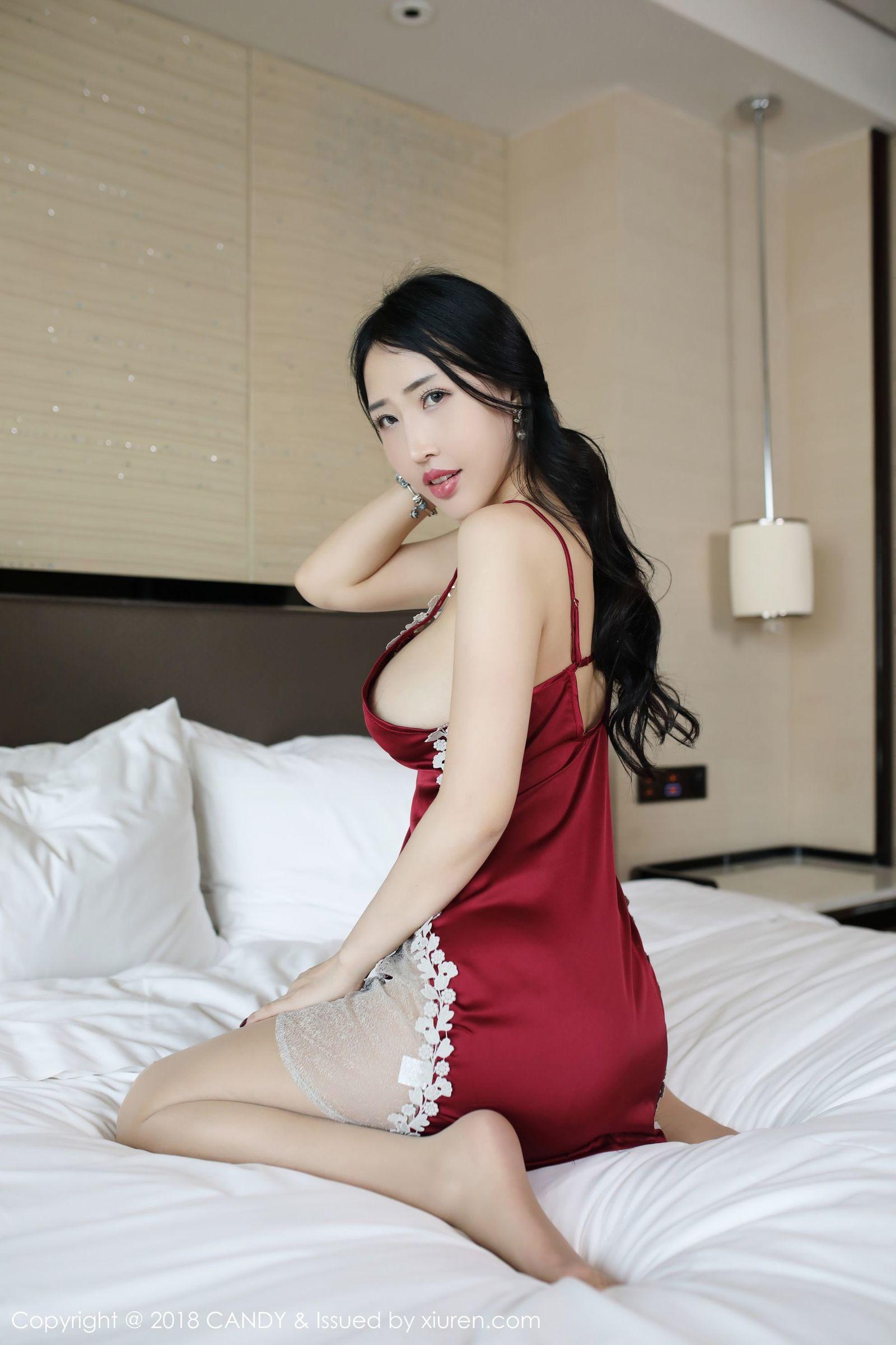 模特@俞夕梦性感女秘书OL写真