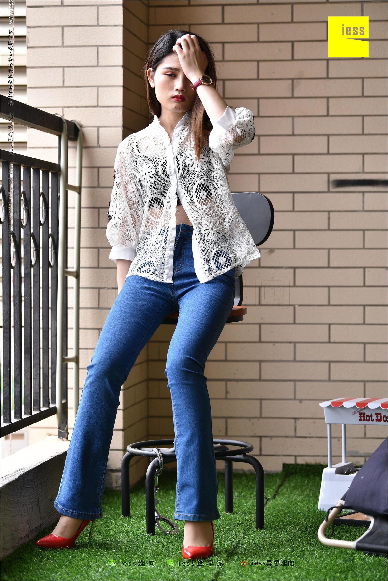 广炎 《牛仔裤、新模特和红色高跟鞋》写真套图