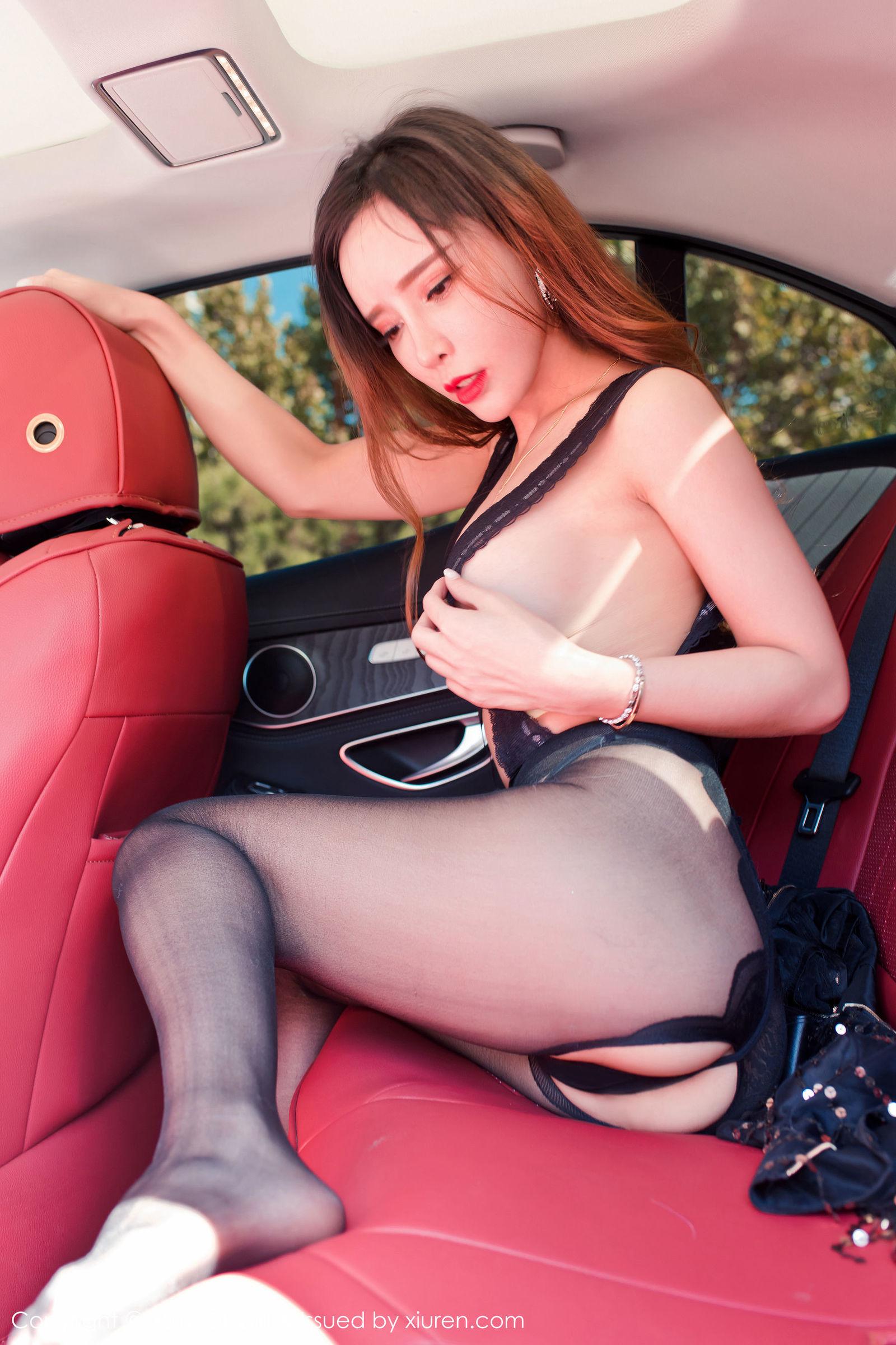 模特@艾小青户外车拍写真