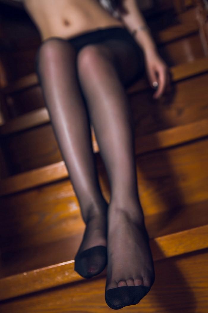 美腿御姐爱丽莎黑丝网袜性感无比