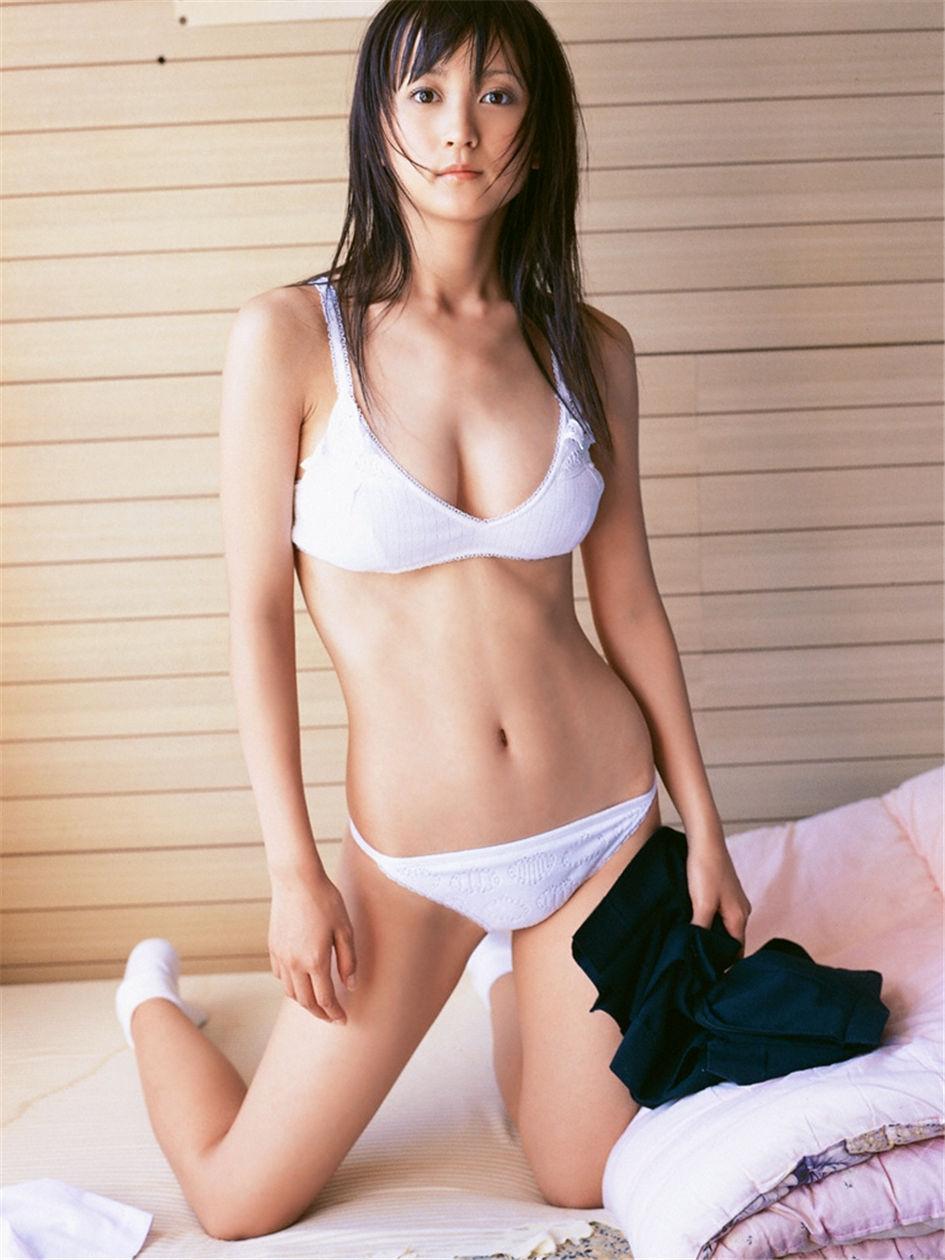性感美女小松彩夏风情诱惑