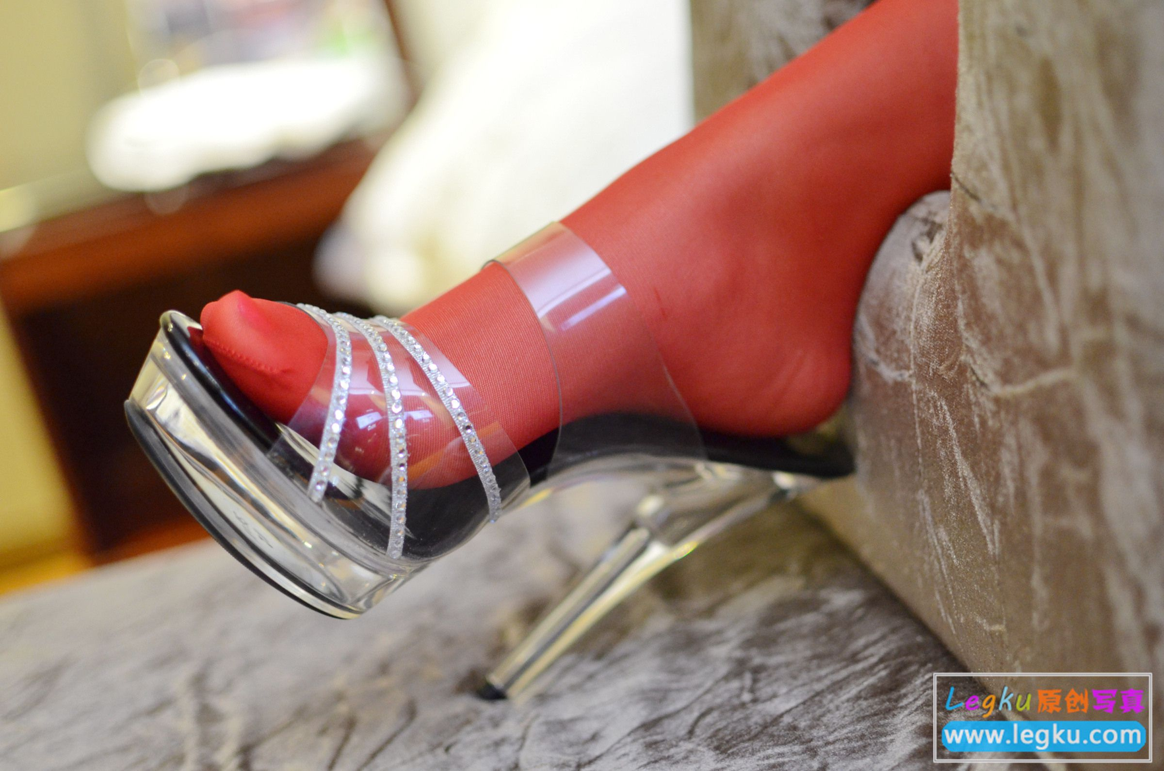 黑色透视蕾丝+红丝袜 写真套图