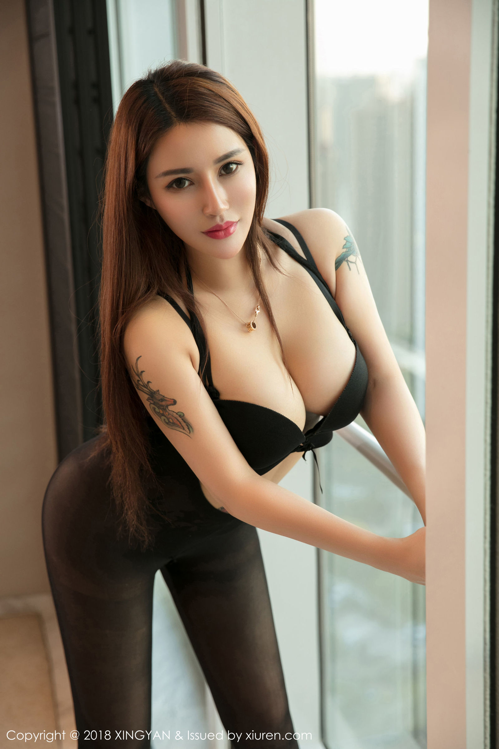 模特liyiyi 首套写真套图