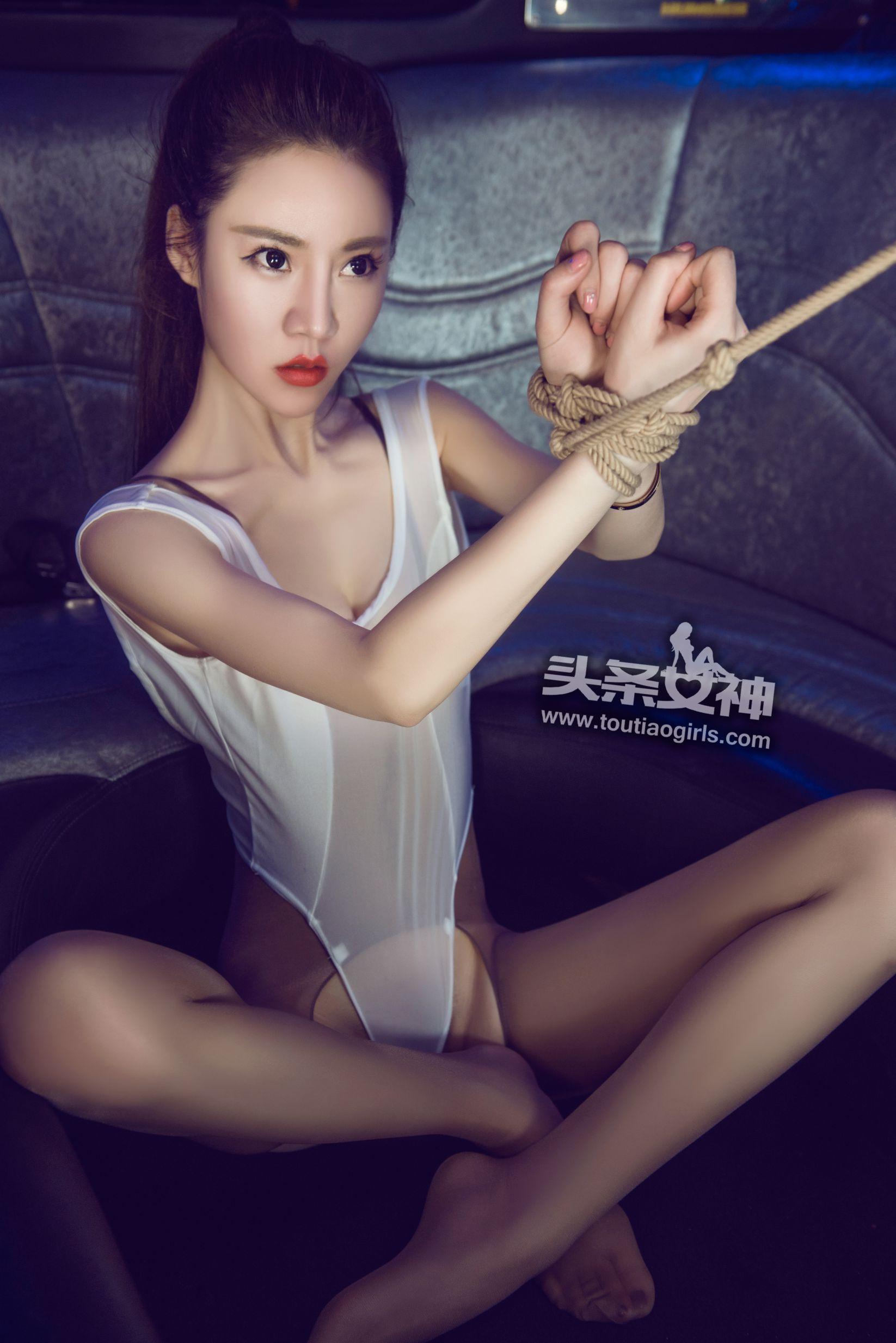 樊安妮 - 完全紧缚 人体写真套图