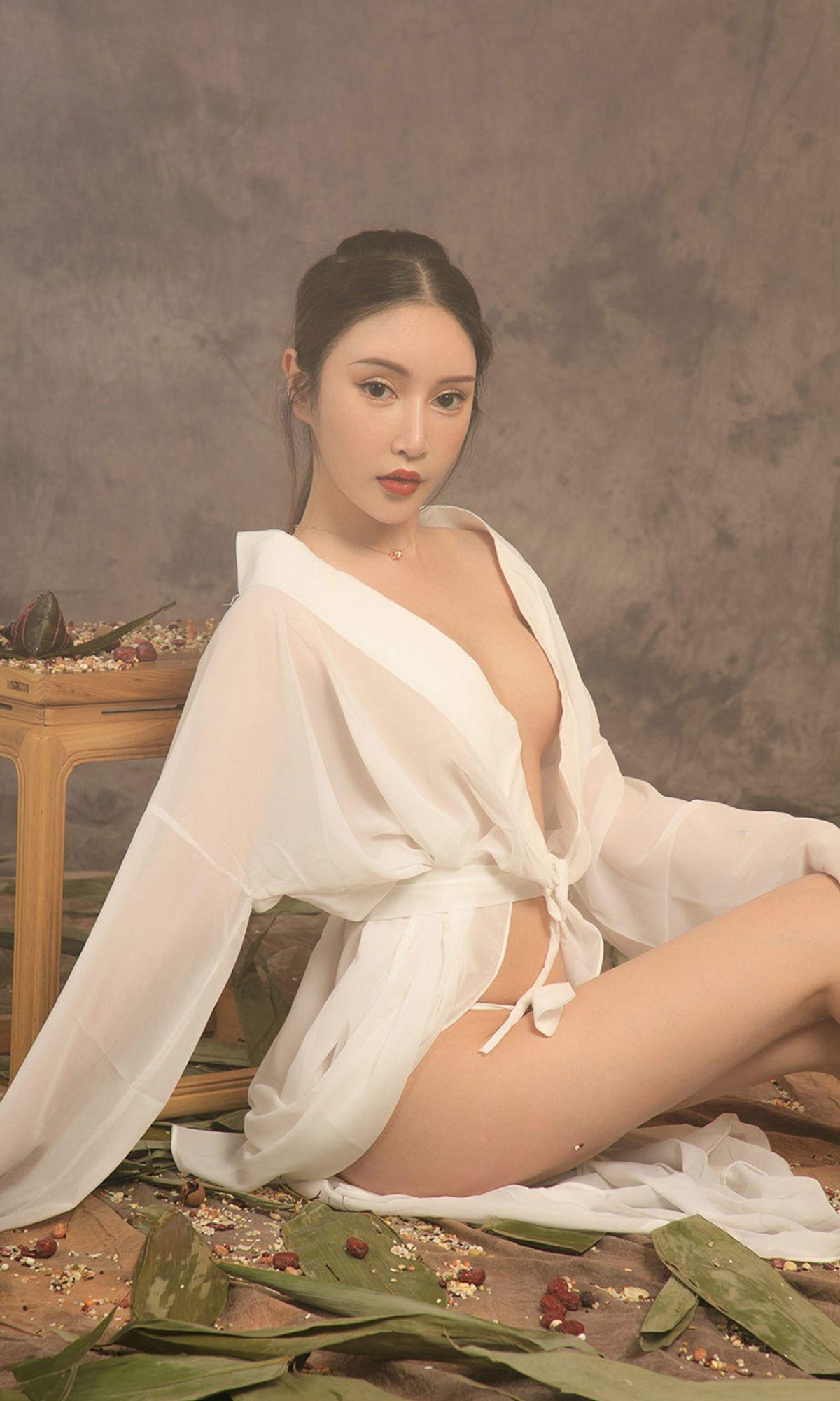 Angela楚楚&金露 - 香食 写真套图