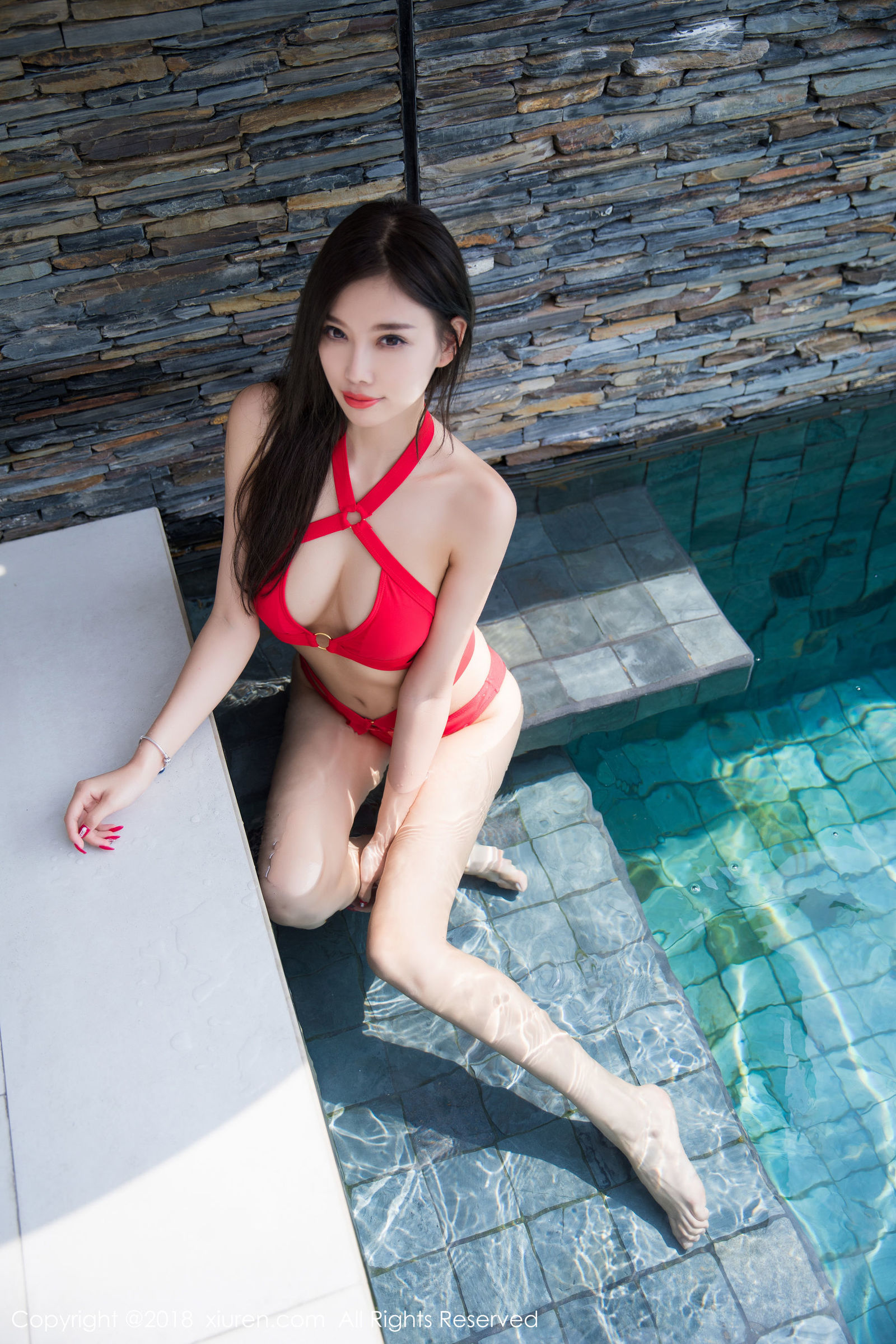 甜美女神杨晨晨sugar普吉岛旅拍浴室写真