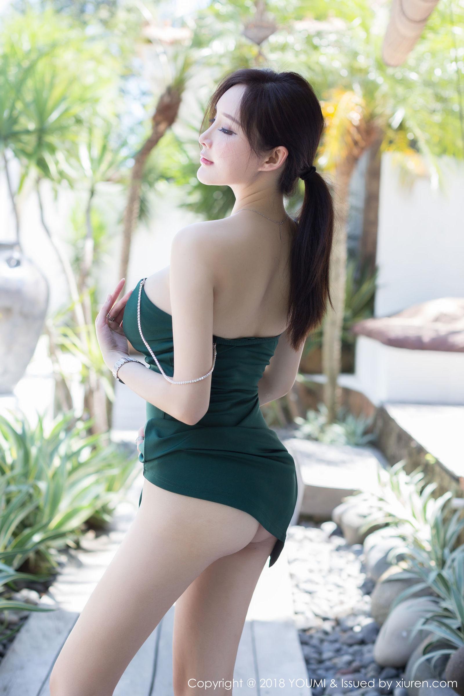 女神奶瓶土肥圆巴厘岛旅拍写真