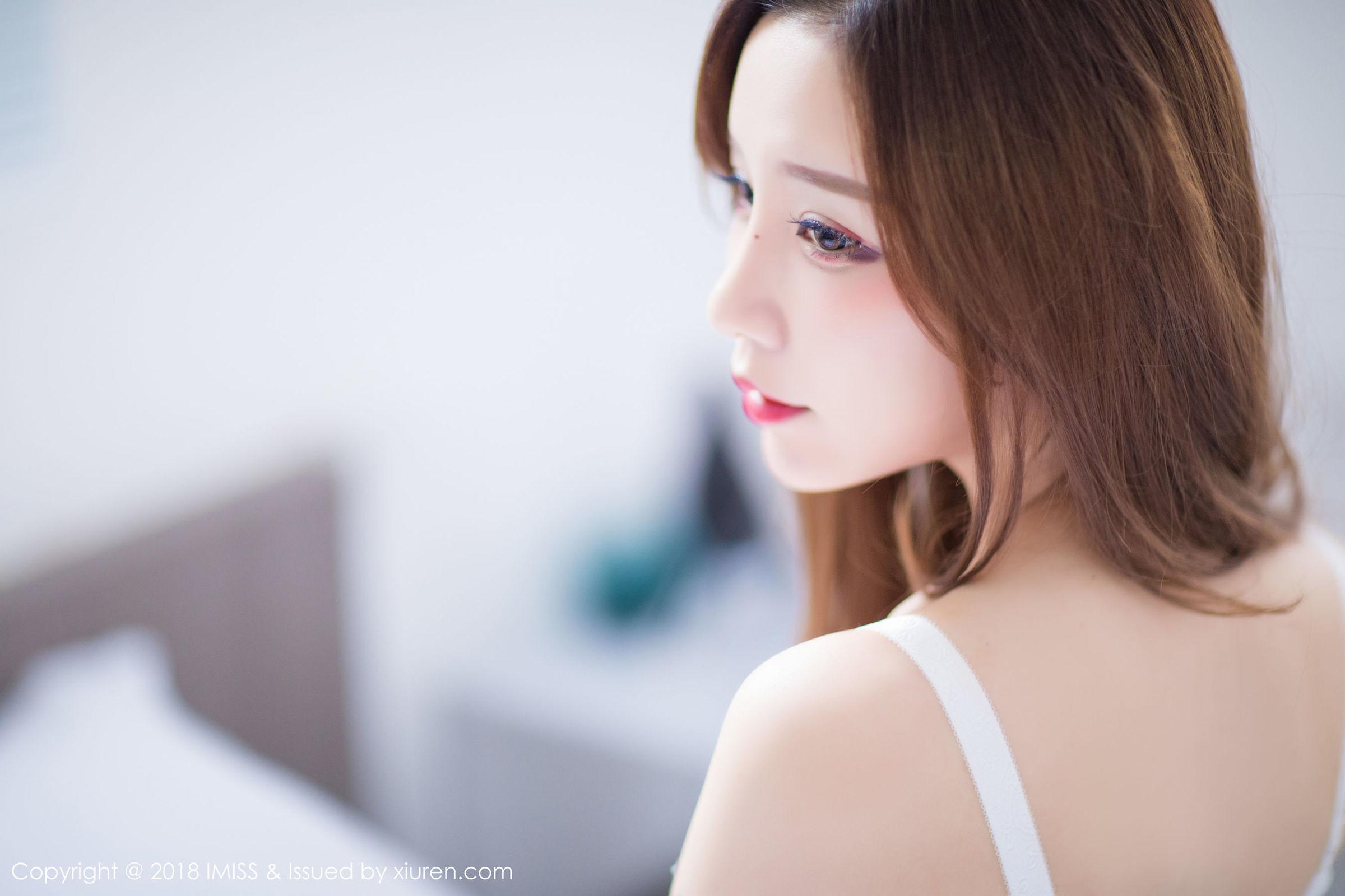 甜美新人@小琳首套写真