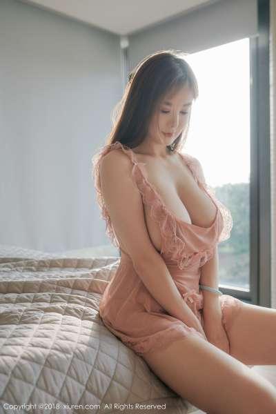 巨乳女神@易阳Silvia性感写真