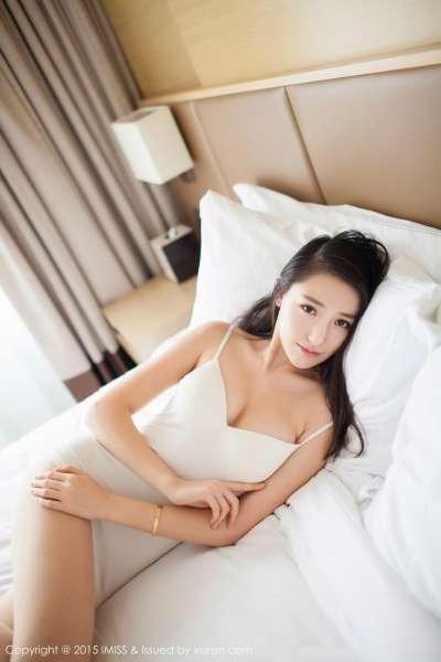 刘奕宁Lynn - 大长腿OL美女写真02