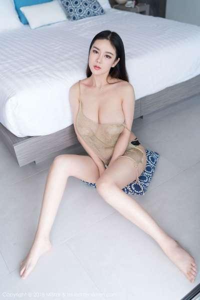 模特@易阳Silvia吉普岛 写真套图