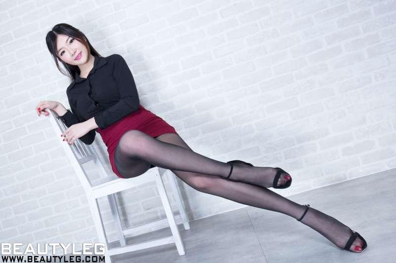 腿模Michelle 丝袜美腿写真~
