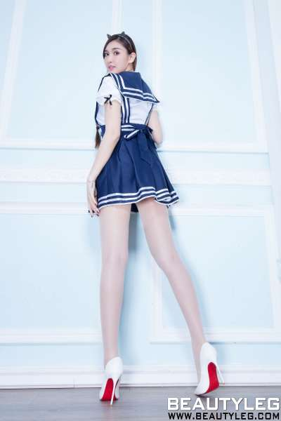 腿模Vanessa 丝袜美腿写真