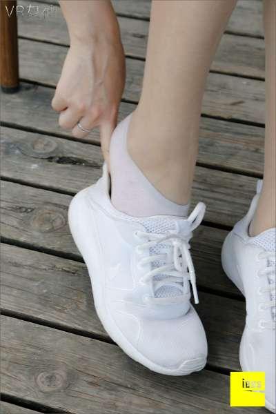 SASA《白球鞋的丝足梦游》
