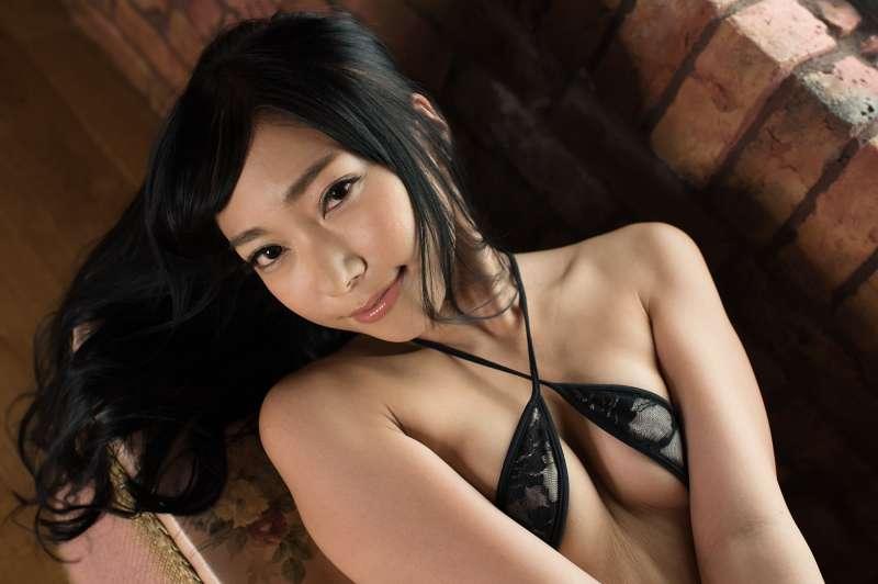 御姐女神~巨乳翘臀写真图片