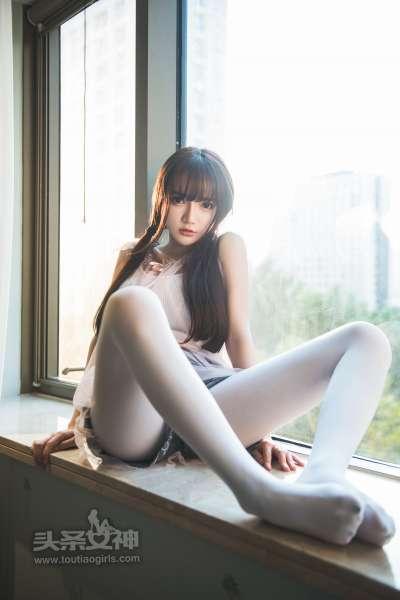 小如镜 - 白袜子长腿人间物语 写真套图