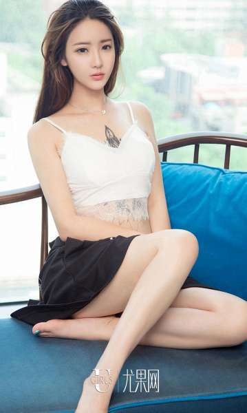 刘天天 - 性感美女吊带派对
