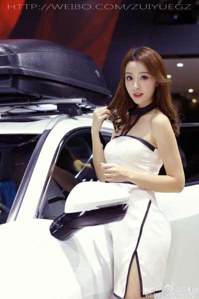 有点可爱的美女少妇车模