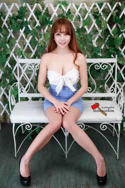 刘海寂寞人妻少妇低胸超短写真